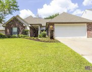 12120 River Highlands, St Amant image