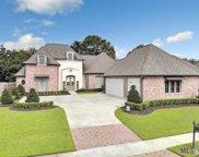 8960 Carriagewood Estates Dr, Baton Rouge image