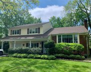 4 Taylor  Drive, Glen Cove image