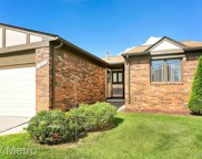 29510 Sycamore Dr, Warren image