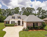 2303 Twin Circle Dr, Gonzales image