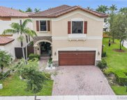 8825 Nw 100th Pl, Doral image