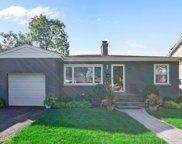621 Gierz Street, Downers Grove image