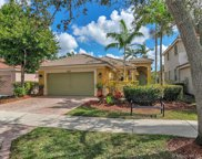 1638 Winterberry Ln, Weston image