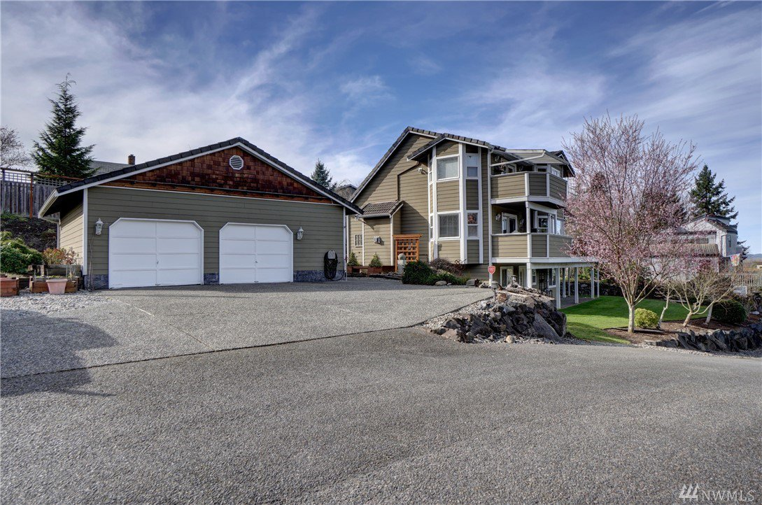 1015 15th ave sw puyallup wa puyallup for Custom home builders puyallup wa