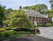 45 Moores Hill Rd, Laurel Hollow image