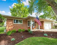 13247 Cloverlawn Dr, Sterling Heights image