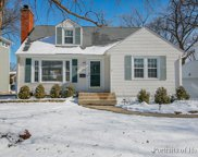 151 East Road, Glen Ellyn image