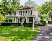 464 Oakwood Avenue, Lake Forest image
