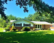 8715 Red Oak, Crestwood image