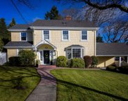 2856 Dewdney  Ave, Oak Bay image