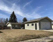 142 26th St Sw, Minot image