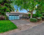 726 Windsor Ct, Vista image