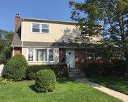 480 Pennsylvania  Avenue, Williston Park image