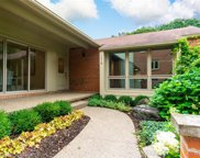 1018 Stratford Place, Bloomfield Hills image