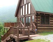 3059 Perry Circle Lane, Sevierville image
