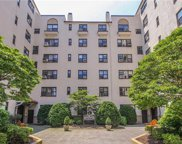 17 North Chatsworth Avenue Unit 5DE, Larchmont image