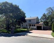 750 Post  Avenue, Bellport image