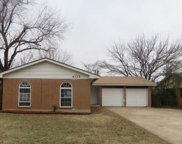 4325 Meadowpark Drive, Midwest City image