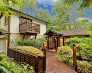 9010 SE 45th St, Mercer Island image