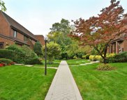 2 Spring Hollow, Roslyn image