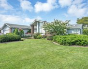28 Oak  Lane, Hampton Bays image