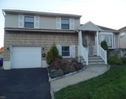 39 Donna Ct, Nutley Twp. image