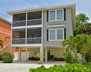 2307 Avenue C, Bradenton Beach image