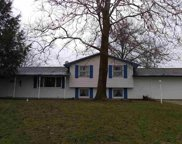 18135 Heatherfield Dr, South Bend image