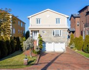 149-57 Powells Cove Blvd, Whitestone image