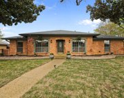 2731 Lakeridge Lane, Carrollton image