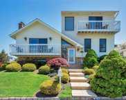 7 Willow  St, Bayville image