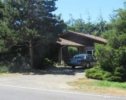 4911 N Place, Seaview image