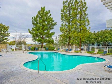 20335-rue-crevier-unit-527-santa-clarita-ca-91351-swimming-pool