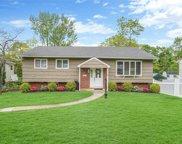 21 Manchester  Drive, Bethpage image