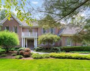 390 Belle Foret Drive, Lake Bluff image