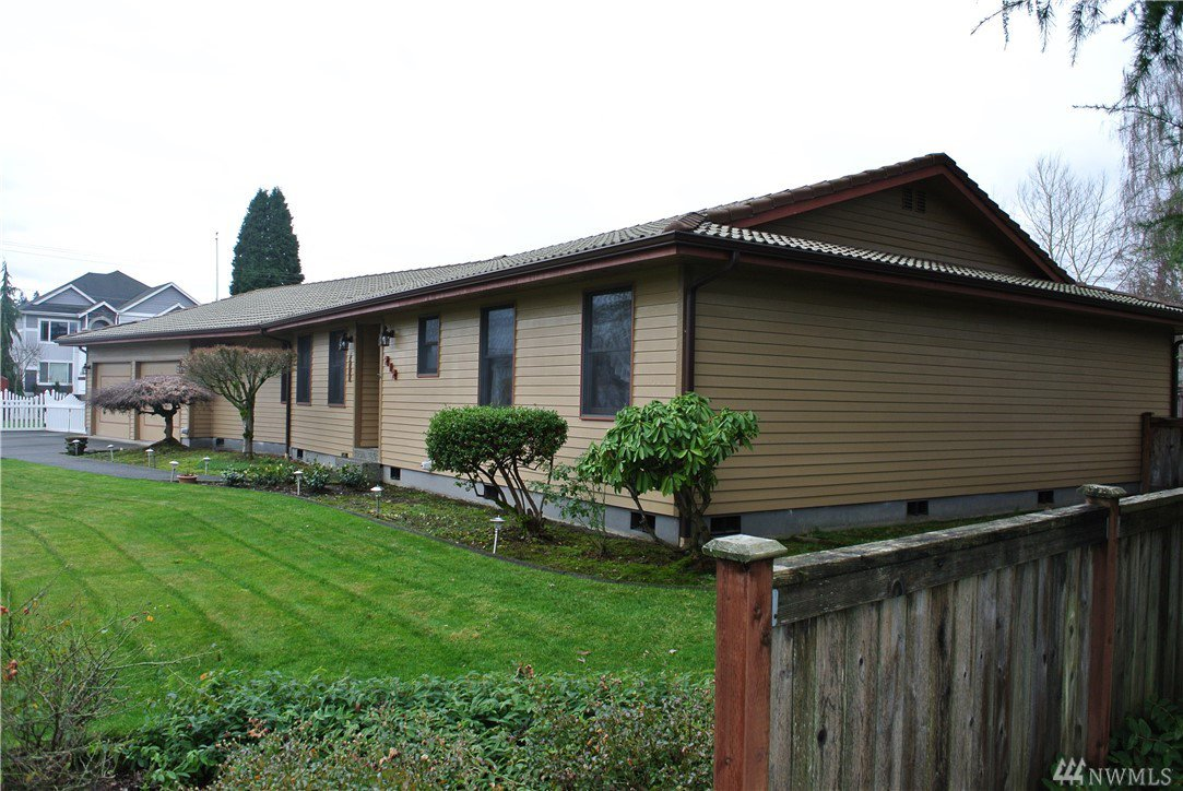 212 rose place puyallup wa puyallup gardens downtown for Custom home builders puyallup wa