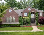 52381 Forest Grove Dr, Shelby Twp image