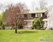 471 Wolf Hill Rd, Dix Hills image