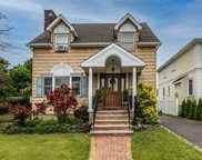 51 Russell  Street, Roslyn Heights image