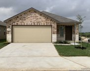 120 Middle Green Loop, Floresville image