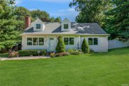 20 Beverly  Court, Northport image