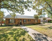301 Oak Valley, Colleyville image