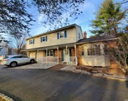 155 Clay Pitts Rd, Greenlawn image
