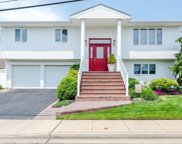 607 Smith  Place, Oceanside image