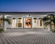 450  Trousdale Pl, Beverly Hills image