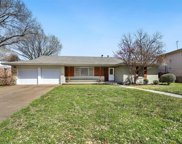 4813 Hildring Drive E, Fort Worth image