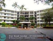 3800 Oaks Clubhouse Dr Unit 508, Pompano Beach image
