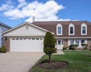 44 East Canterbury Lane, Buffalo Grove image