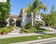 495 Lakeview Dr, Brentwood image